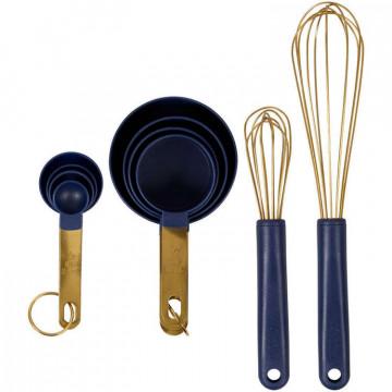 Zestaw przyborów kuchennych...